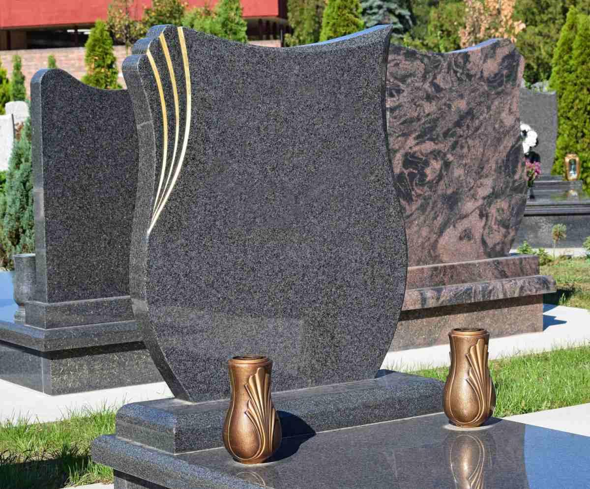nagrobki i pomniki od kamieniarza