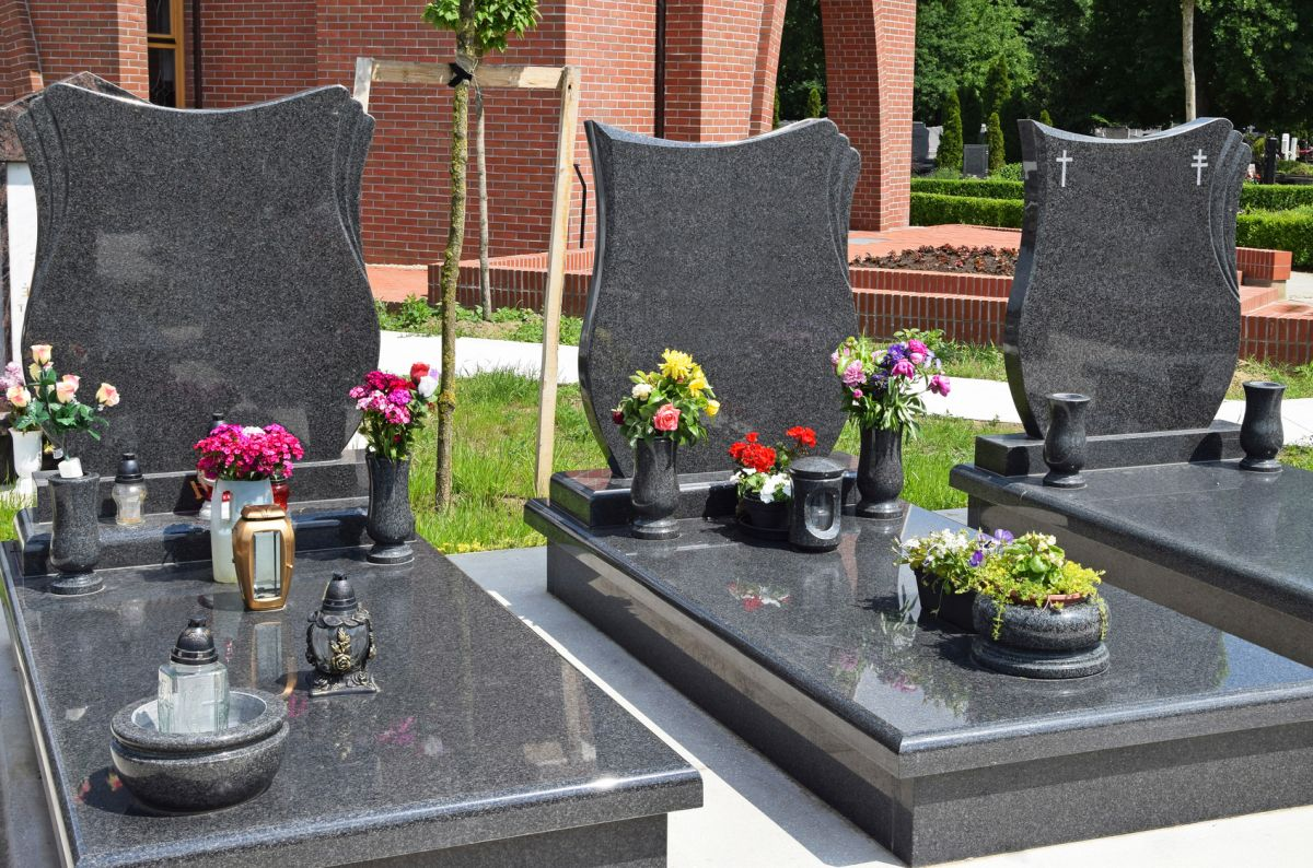 Pomniki nagrobne w dobrej cenie Szczecin